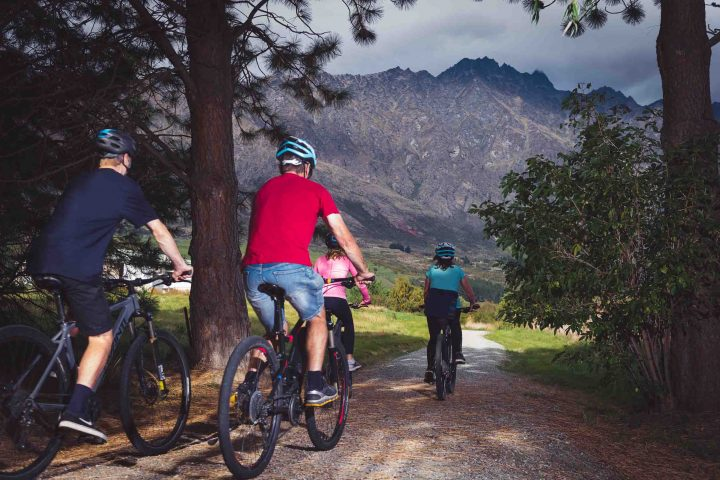 Biking from Queenstown towards the Gibbston Wine Valley